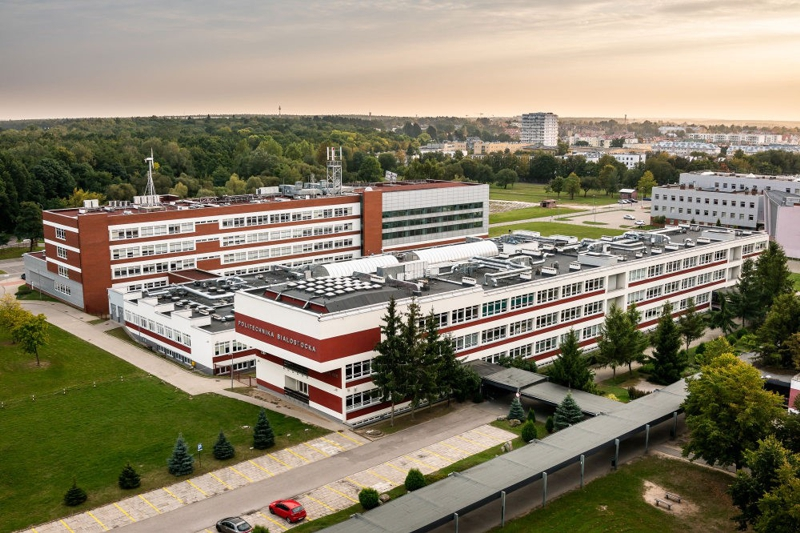building the Faculty of Civil Engineering and Environmental Sciences from the bird's eye view